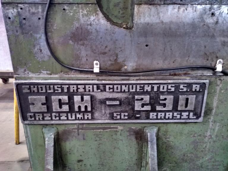 Prensa Hidráulica 230 Toneladas