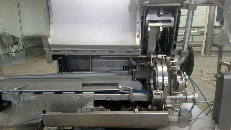 Grampeadora ICA-8700 Polyclip Ano 2010