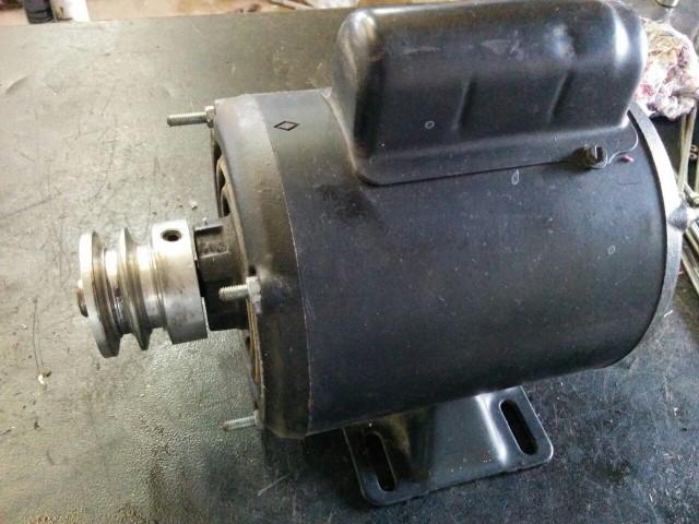 Motor Elétrico Weg 1/4 4 Polos Monofásico