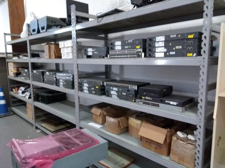 Lote Contendo 329 Unidades de Componentes de Informática