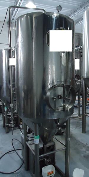 Estação de Brassagem e Tanque Auto Refrigerado 650 Litros