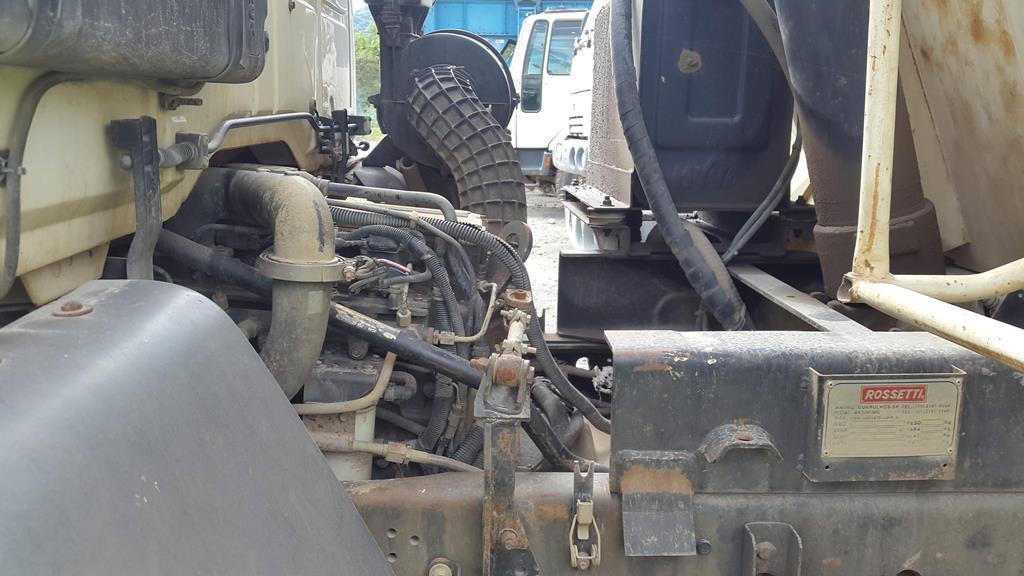 Caminhão Ford Cargo 6332E Caçamba  – 2010/2010