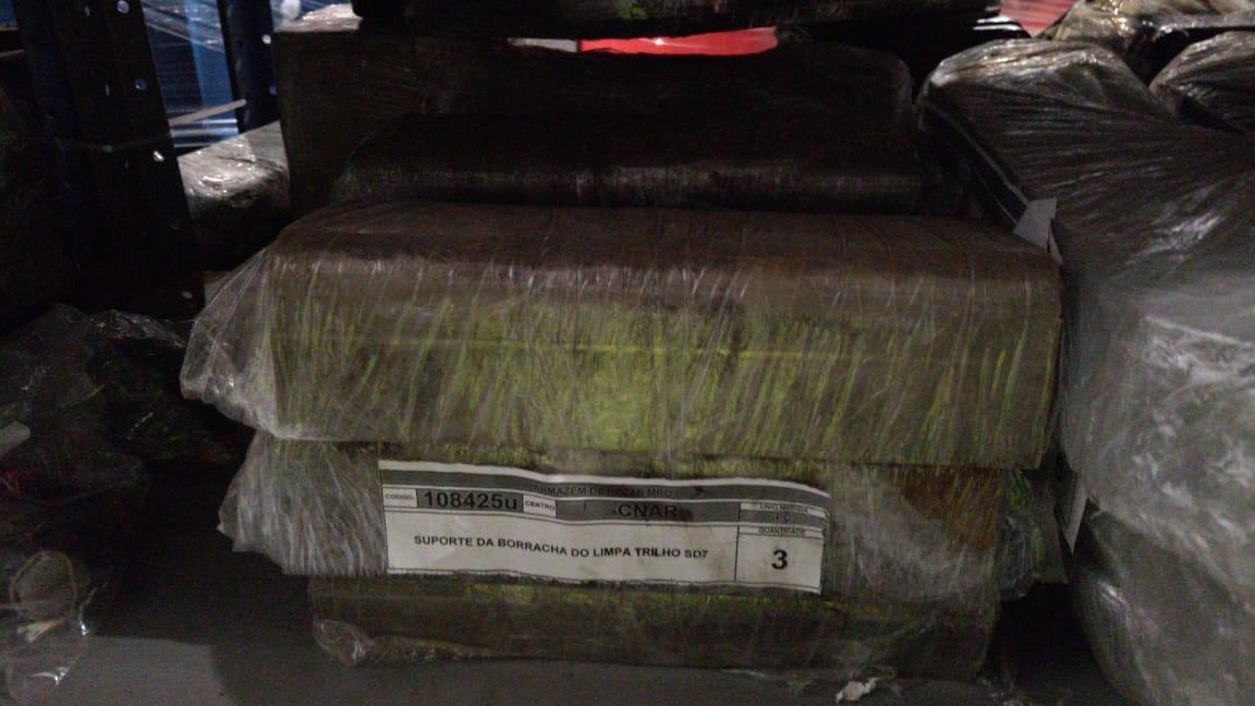 Suporte da borracha do limpa trilho sd70 aprox. 9 unidades