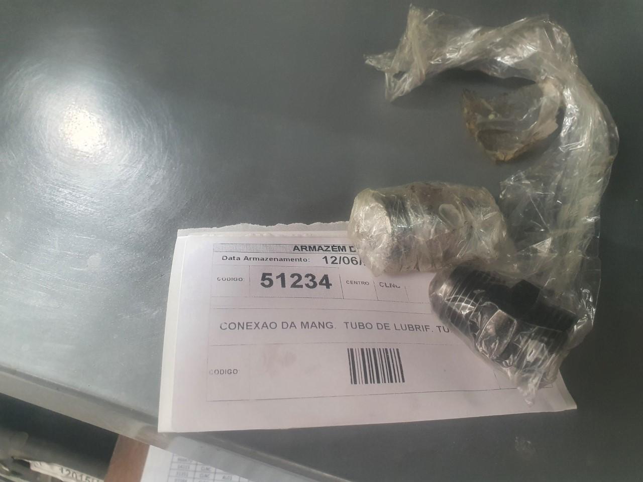 Conexao da mang.  tubo de lubrif. turbo aprox. 15 peças