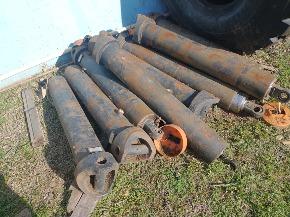 Lote de peças diversas para caminhão basculante, aprox. 1300 peças