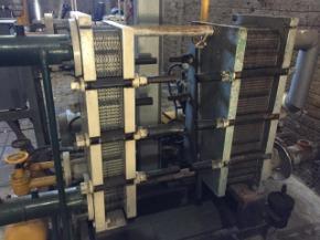 """Chiller com 2 Trocadores de Calor Alpha Laval Condensador e Evaporador 4"""" Amônia"""