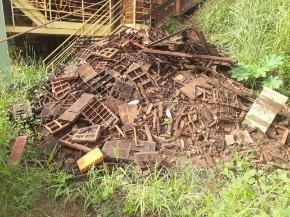Sucata de Ferro de Telas/Módulos de Peneiramento de Poliuretano - Aprox 1 ton