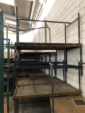 Conjunto de Mesas de Trabalho Metálicas. 0,8x1,5x0,75m