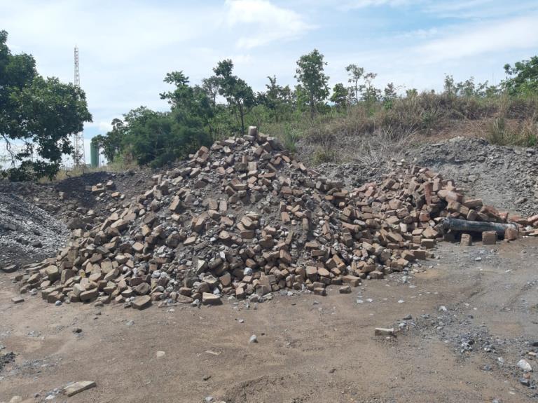 Sucata de Tijolos Refratários Edealina GO Aprox. 250 a gerar em 12 meses