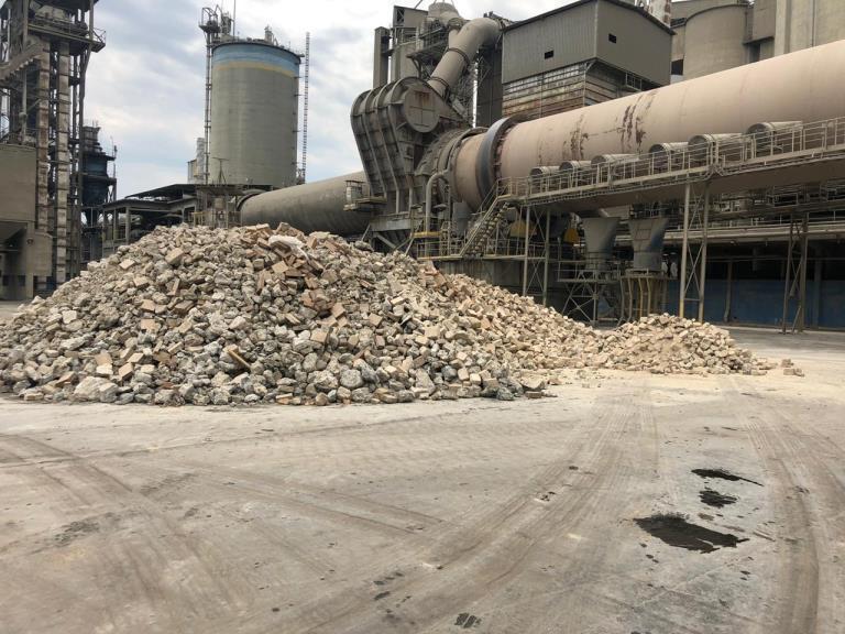 Sucata de Tijolos Refratários Itaú de Minas Aprox. 550 ton a gerar em 12 meses