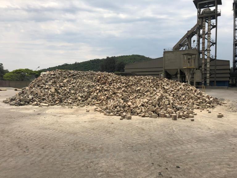 Sucata de Tijolos Refratários Itapeva SP aprox 150 ton a gerar em 12 meses
