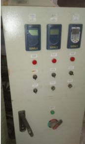 Painel Elétrico da Área de Teste (Com 4 Inversores de Frequência)