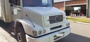 Caminhão Baú Tipo Truck Mercedes Benz / L 1620 2005/2005 Diesel