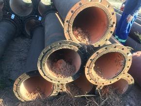 Lote de Tubo de Ferro Fundido FoFo flange x flange 350 mm (curto) Aprox. 1ton