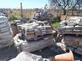 Sucata de Tijolos Vencidos, Concretos e Argamassas Aprox. 30 ton.