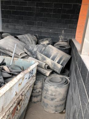 Sucata de Borracha Santa Cruz RJ Aprox. 10 ton Imediata