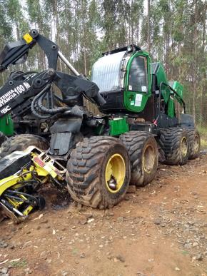 Harvester Jhon Deere 1270E 8x8 2016 com Implemento