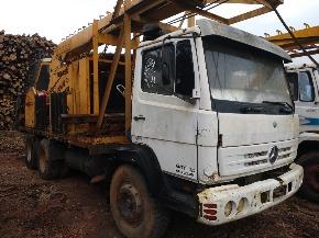 Caminhão M.Benz 2414 - 6x4 - Ano 94 - Equipado com Torre Florestal para Baldeio de Toras