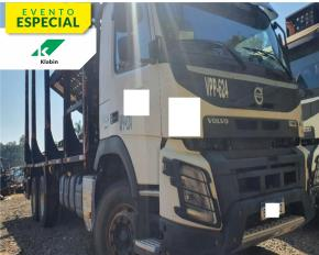 Caminhão Volvo FM 500 6X4R 2017 com Implemento Julieta Sergomel