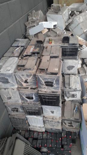 Sucata de Baterias Edealina GO Aprox. 900kg
