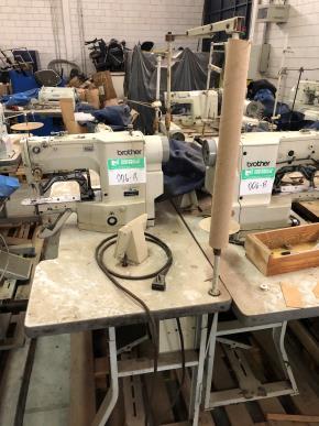 Conjunto de Máquinas de Costura Travete Eletrônico Brother Ke-430d-02